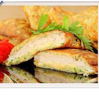 Куриный биток с сыром и отварным картофелем
