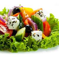 Салат из свежих овощей с сыром Фета